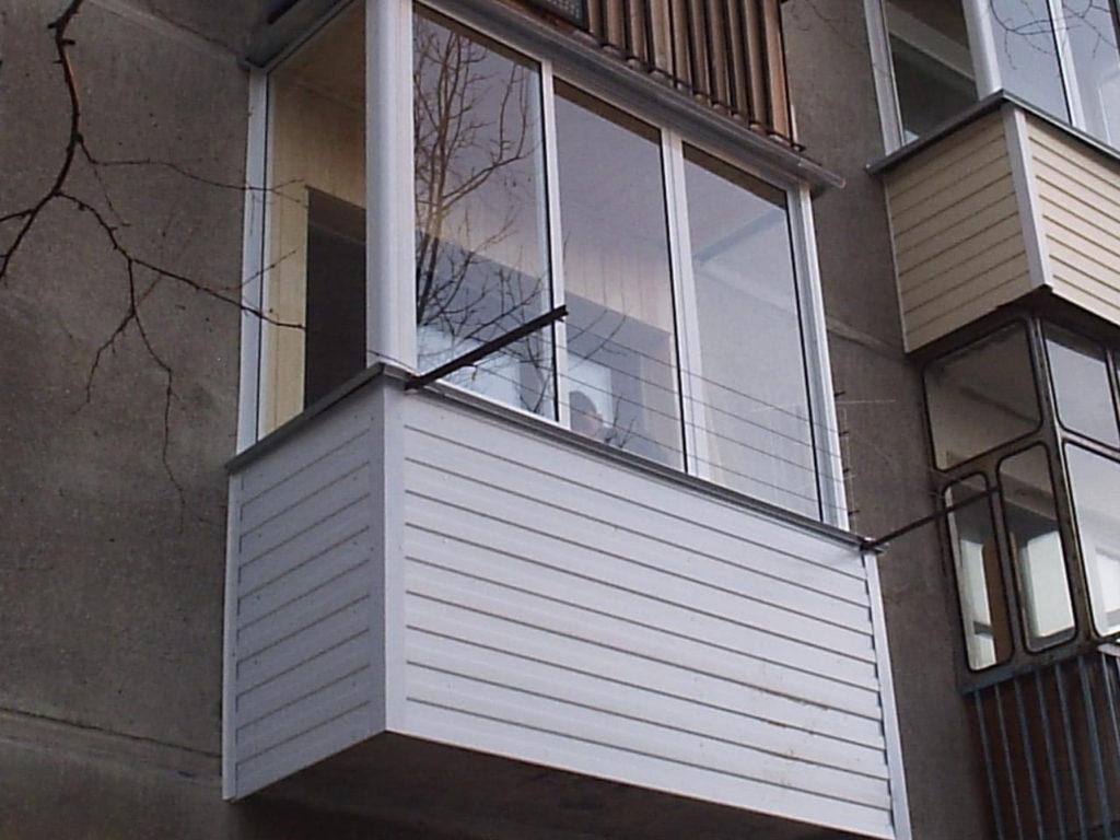 остекление стандартного балкона